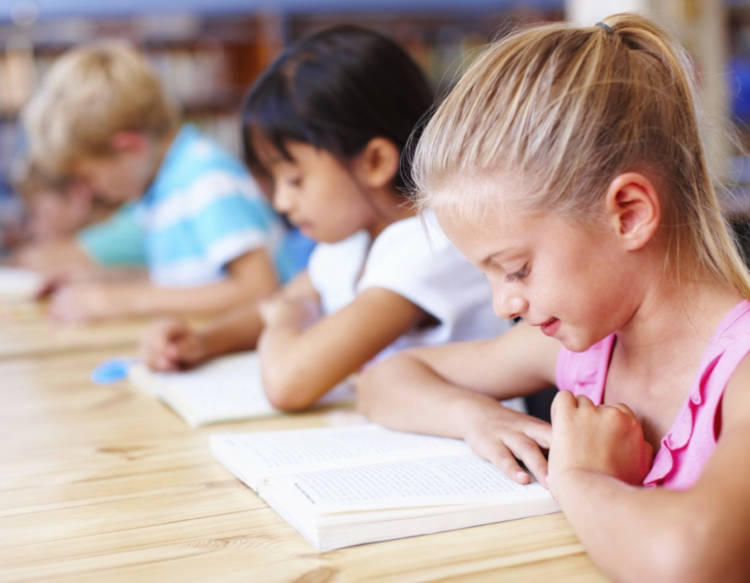 insegnare a leggere ai bambini